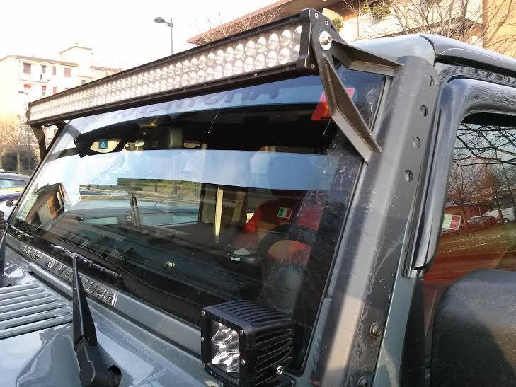 Kit barra a led e staffa jeep jk power garage for Kit per il portico anteriore