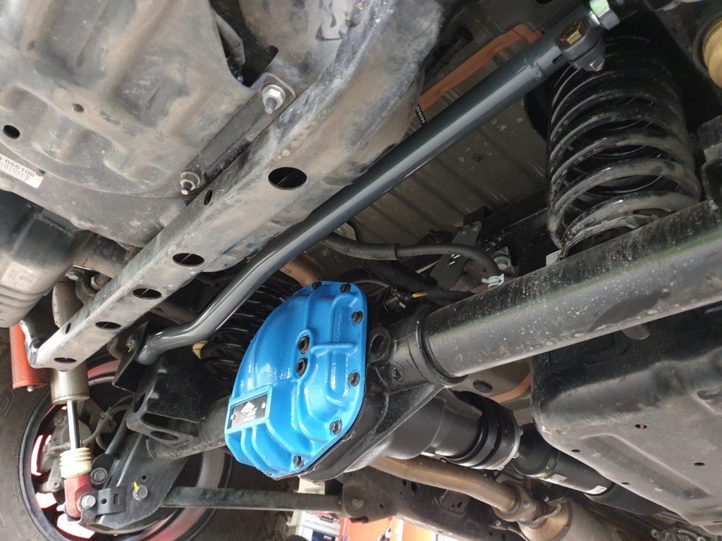 barra panhard posteriore regolabile synergy jeep wrangler JL montata