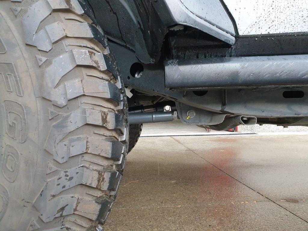 puntoni anteriori inferiori regolabili synergy jeep JL montati