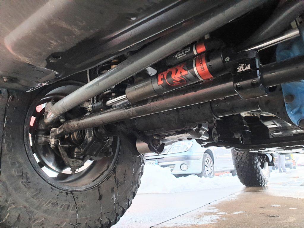 ammortizzatore sterzo fox ats jeep wrangler jl installato