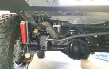 terminale di scarico jeep wrangler JL vista posteriore